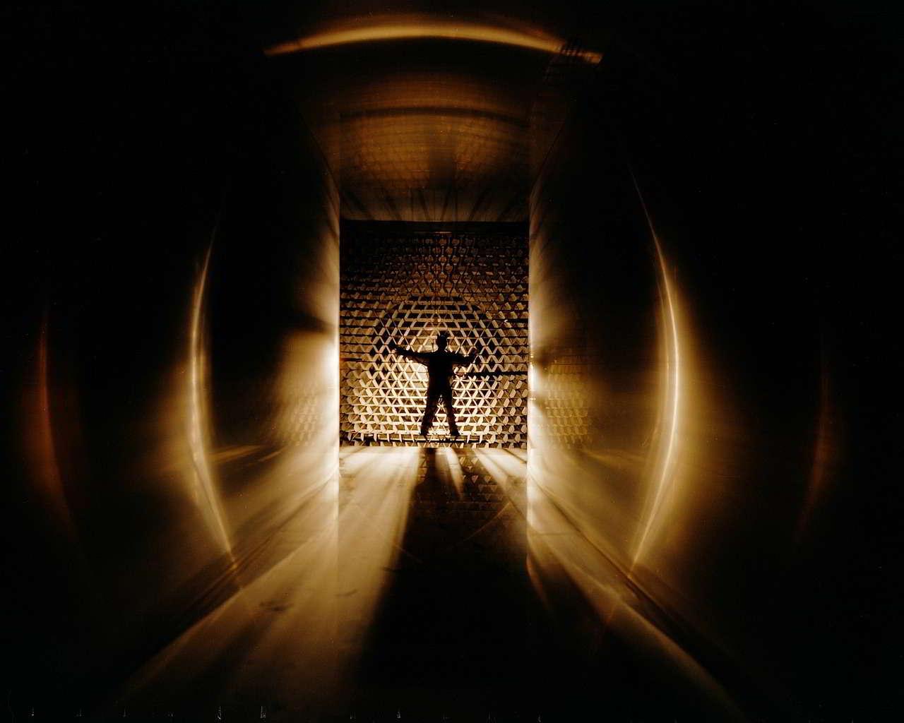 wind-tunnel-957749_1280